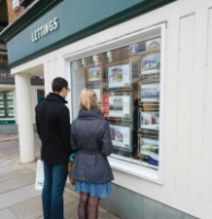 Trading Standards Officers carry out high street spot checks(Click to zoom)